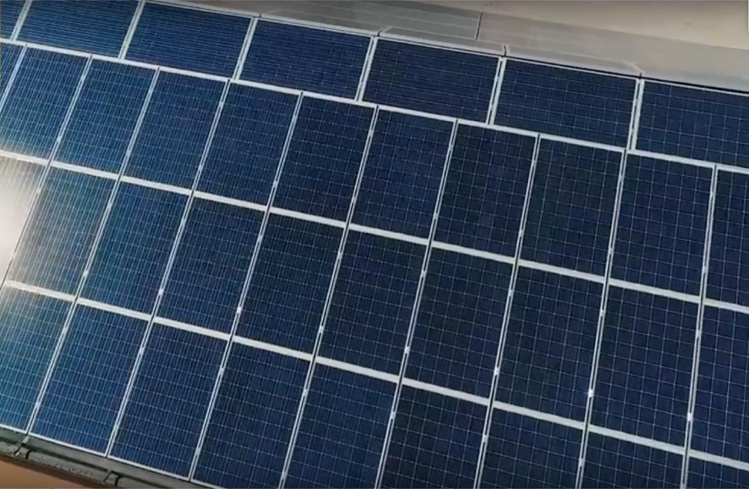 Impianto di pannelli solari presso la tenuta di Jolanda di Savoia (Fe)